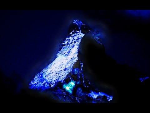 Volcano with BLUE Lava ! AMAZING
