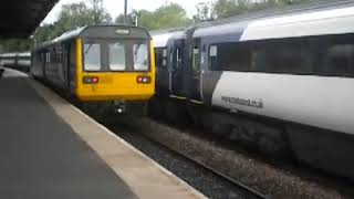 east coast hst passing morpeth railway station.avi