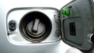 BMW E46 закрытие лючка