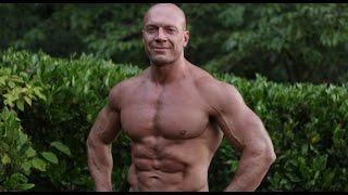 Денис Семенихин о том, когда начать тренироваться, чтобы к лету быть в форме?