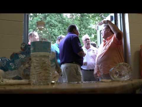 Gov. Tomblin surveys West Virginia flooding