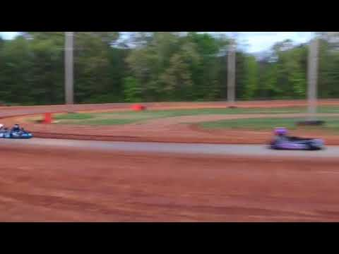 Dawgwood Red Plate Feature Race 4-28-18