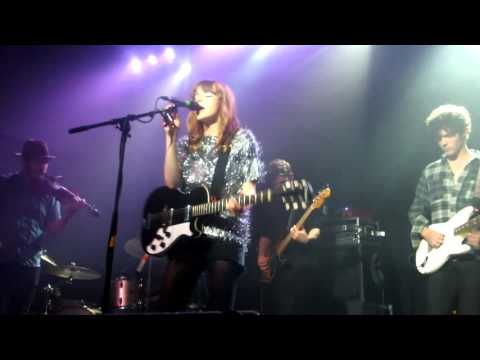 Gabrielle Aplin 'Light Up The Dark' Live