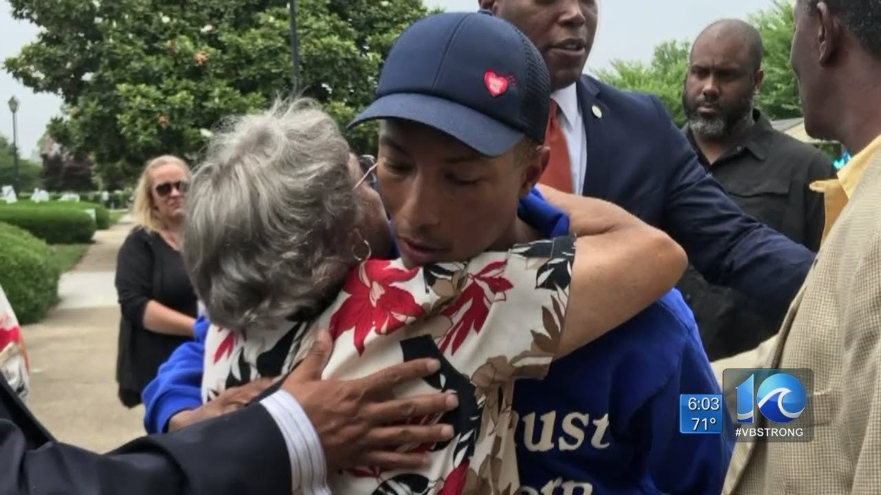 "Pharrell ""The Fuckboy"" visits memorial for Va. Beach shooting victims to pay respects"