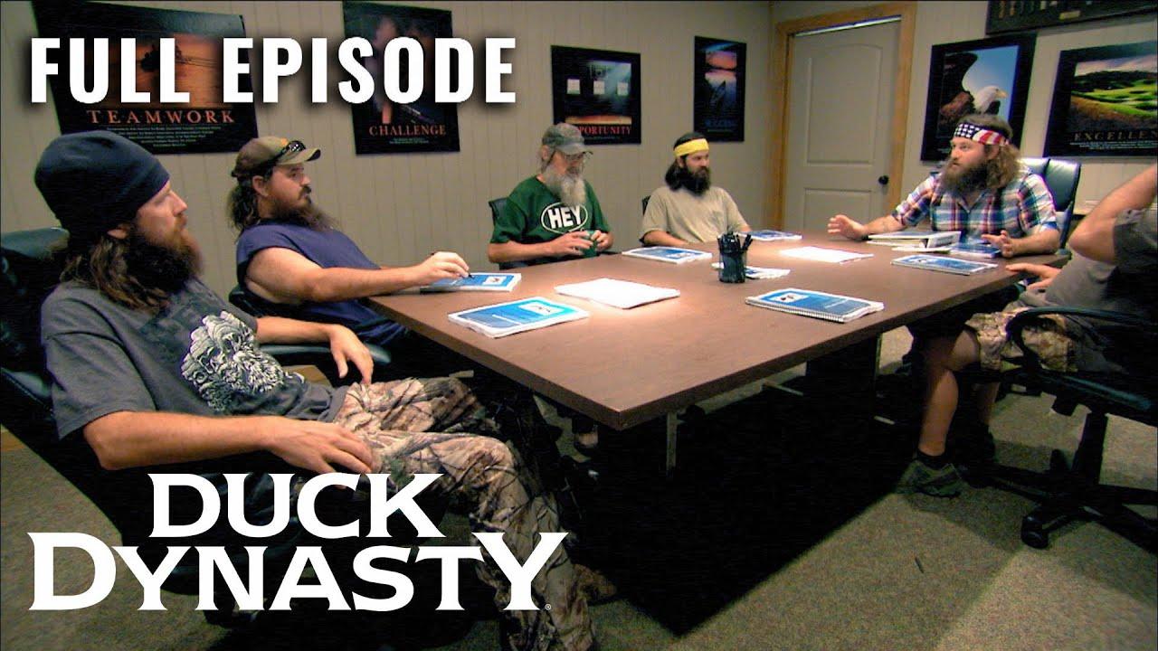 Duck Dynasty: The Guys Go on STRIKE Against Willie (S2, E11) | Full Episode