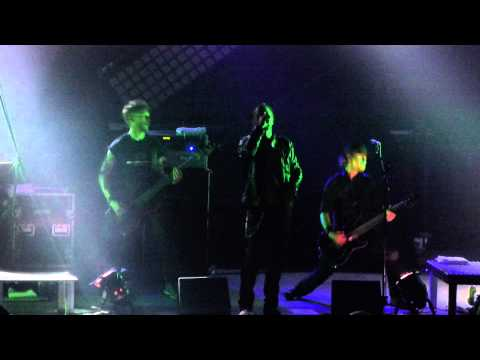 A Life Divided - Intro - The Lost- It ain't good (live Berlin 2013)