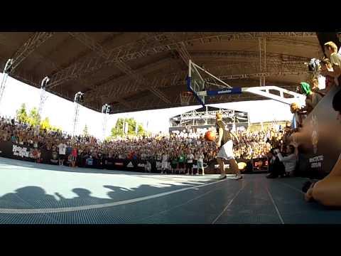 Kristaps Dargais beast dunks on Moscow Open 2012