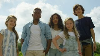 KIDS UNITED - L'Oiseau Et l'Enfant (Clip officiel) thumbnail