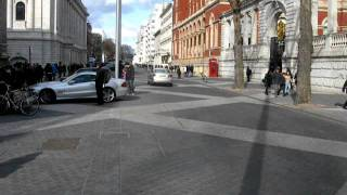 Exhibition Road - Shared Space - Science Museum.AVI
