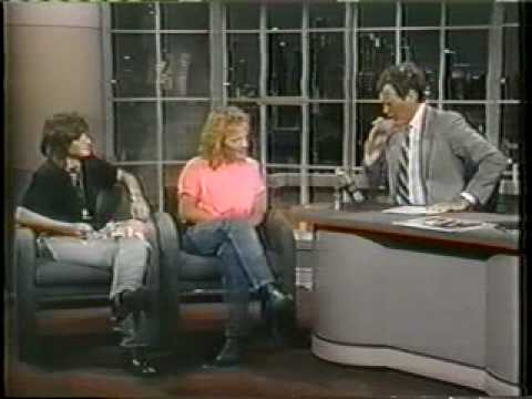 Indigo Girls - Closer To Fine on Letterman 1989