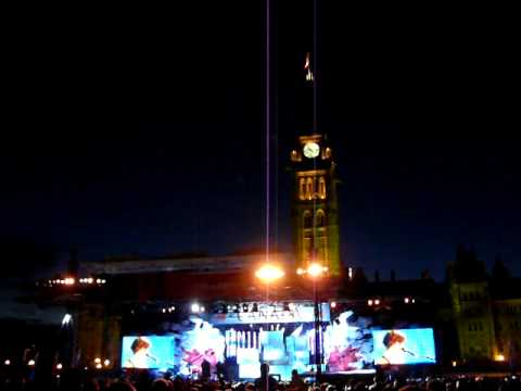 Sarah McLachlan In the arms of an Angel (10s missing) - Canada Day 2009