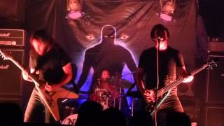 Play The Howling Man (live)