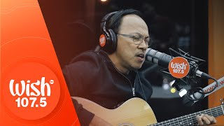 "Noel Cabangon performs ""Kahit Kailan"" LIVE on Wish 107.5 Bus"