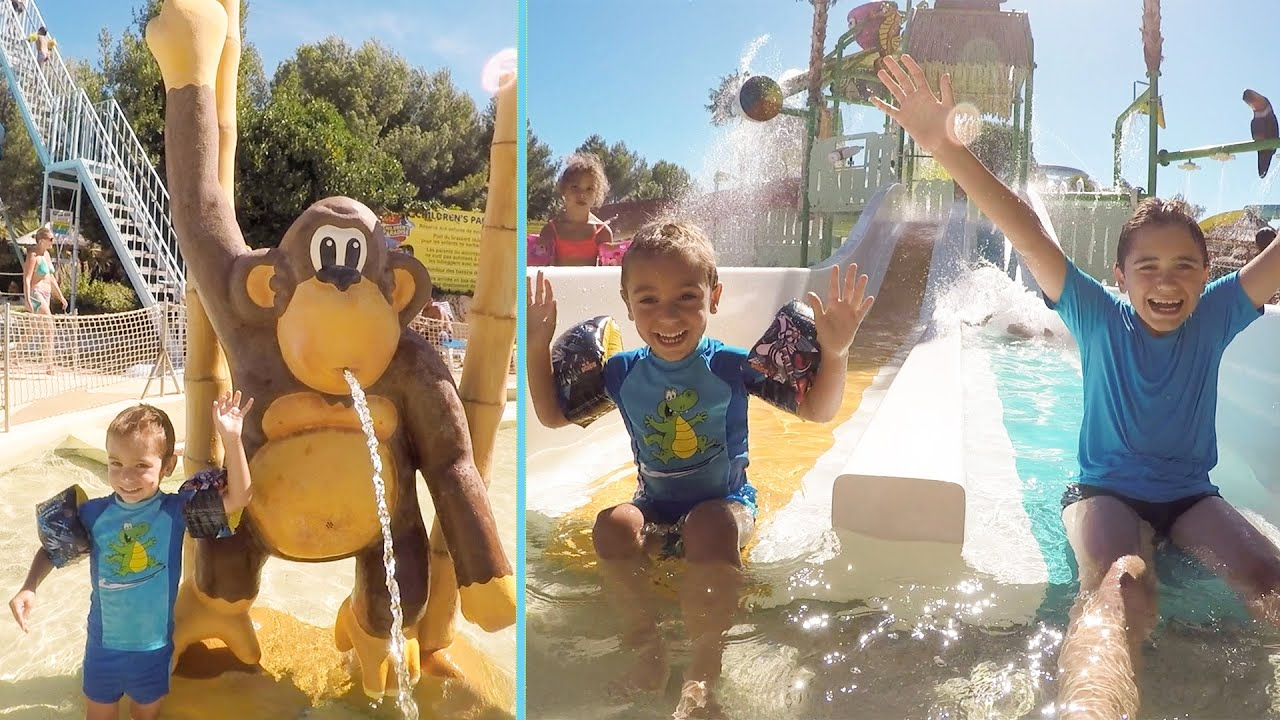 Vlog on s 39 clate au parc aquatique aqualand toboggan for Swan et neo piscine