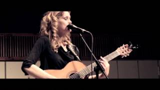 Randi Laubek sings Amber Hands at Louisiana