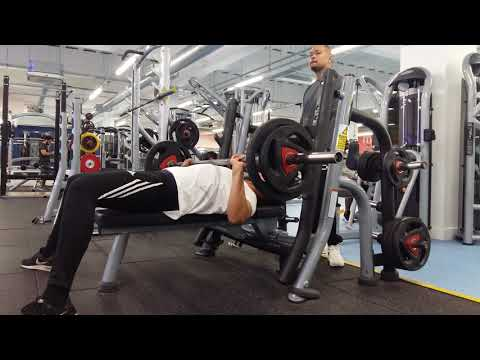 How to Bench Press correctly gym workout session chest exercise routine
