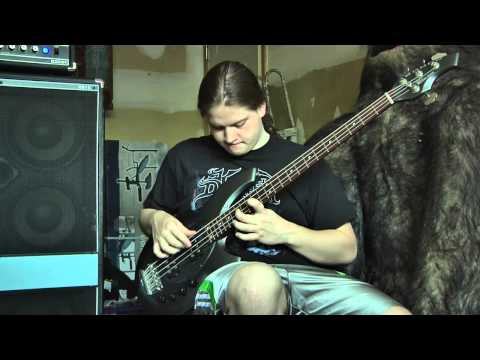Music Man Bongo 4hh bass w/ Acoustic B810 cabinet and B200H head demonstration