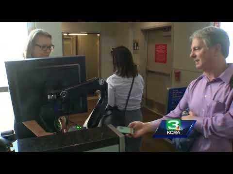 Sacramento airport unveils solar power panels