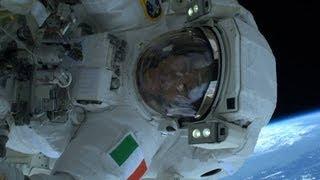Luca Parmitano Guasto al Casco : Passeggiata Spaziale - ISS Stazione Internazionale