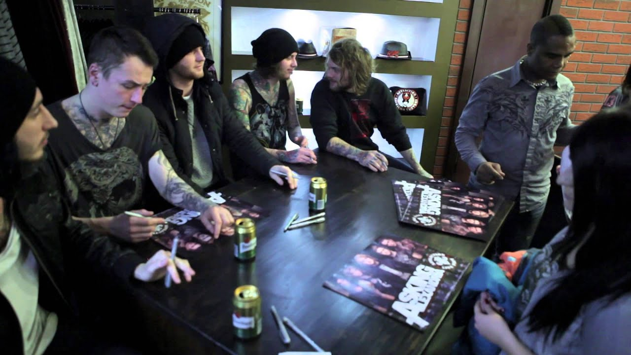 Asking alexandria signing in affliction store prague youtube m4hsunfo