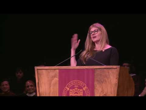 Connie Britton  2018 USC School of Dramatic Arts Undergraduate Commencement