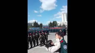 Парню с парада победы стало плохо, Омск 2016