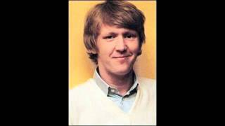 Watch Harry Nilsson Maybe video