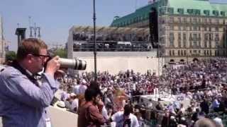 Barack Obama in Berlin - Tausende Gäste warten auf Rede am Brandenburger Tor