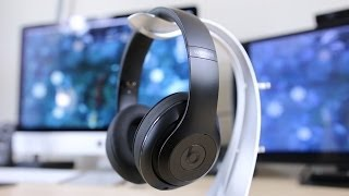 Beats Studio Wireless Review(Buy the new Beats Studio Wireless here: http://amzn.to/1cmdWKo Squarespace: http://www.squarespace.com/uravgconsumer - CONSUMER Find the New ..., 2014-02-01T15:54:36.000Z)