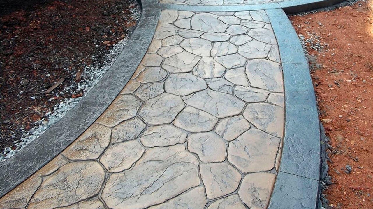 камень в бетоне