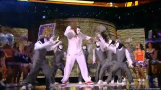 Shaq dances with Jabbawockeez at All Star coub by Basket Santa