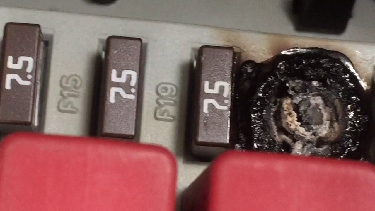dodge ram promaster fuse melting issue youtube 2014 ram promaster fuse box [ 1280 x 720 Pixel ]