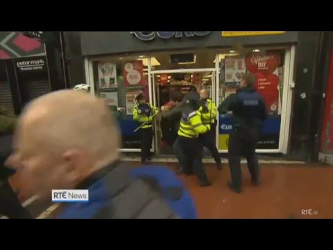Irish Islamic Socialist's Beat And Choke Polish Men With Flag Poles ATTACKS FREE SPEECH