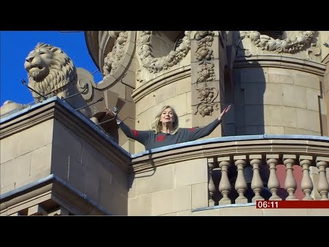 Carol Kirkwood Sings For Comic Relief (fun Story) (UK) - BBC News - 15th March 2019