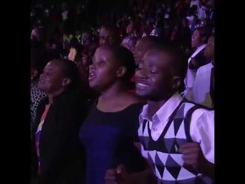 Pastor Chris Oyakhilome Sing Like Never Before @ The Christ Embassy Church