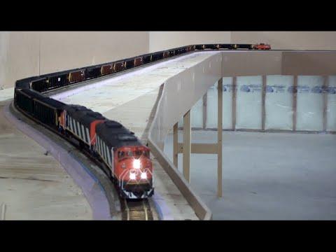 HO Tumbler Sub Unit Coal Train With CN SD60F's