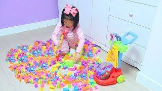 Boram joga limpando a casa! Crianças fingem brincar com brinquedos de limpeza!