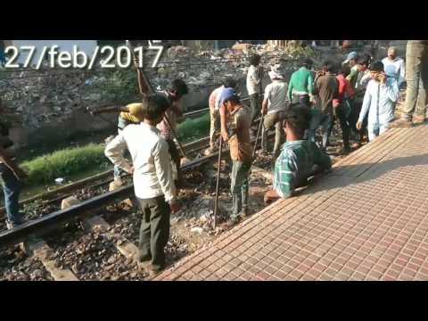 GTB Nagar railway accident 2017