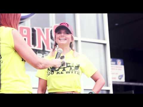 Carletta Blake - Miranda Lambert Helps Over 60 Dogs Find Homes During CMA Fest