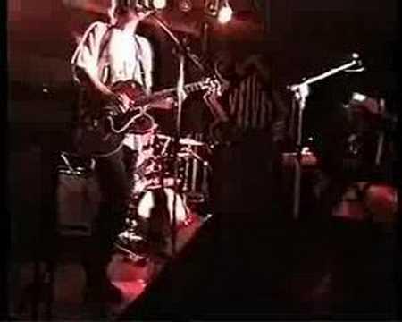 Gorky's Zygotic Mynci - Faraway Eyes (live in Italy 1999)