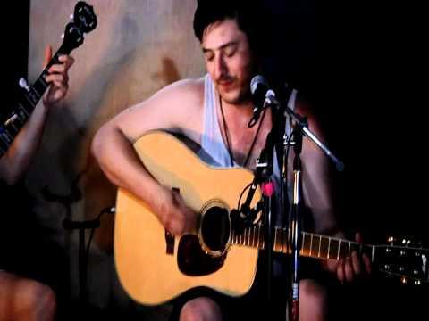 Mumford & Sons - Lover's Eyes (Backstage at Bonnaroo 2011)
