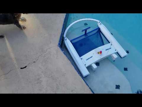 solaskimmer solar powered pool skimmer funnydog tv. Black Bedroom Furniture Sets. Home Design Ideas