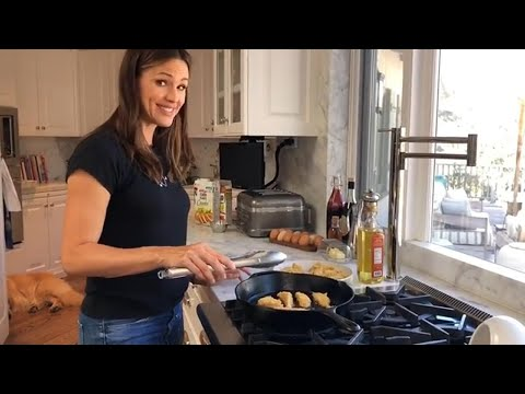 Jennifer Garner Cooks for Her Idol, the Barefoot Contessa! Exclusive