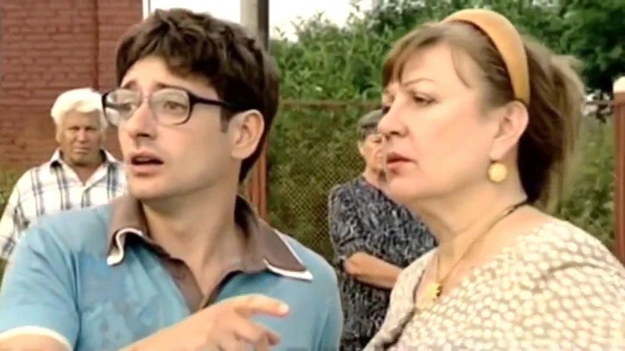 Скачать через торрент российские комедийные сериалы.