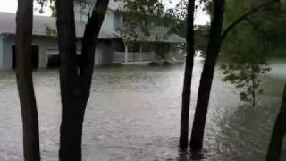 6/22/11 Missouri River Flood Update, First Home Swept Down River