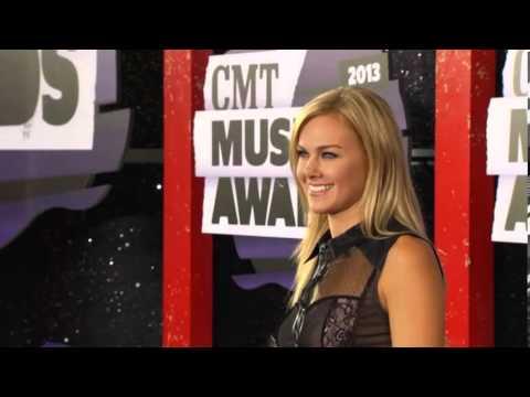 Laura Bell Bundy, CMT Music Awards