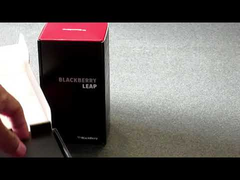 Blackberry Leap unboxing 2018.