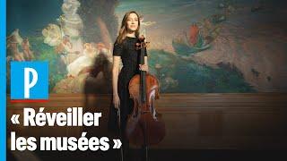 Elle joue du violoncelle dans les musées vides pendant le confinement