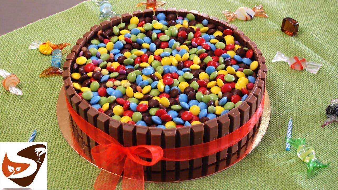 Torta Di Compleanno Al Cioccolato Con Kit Kat E Smarties