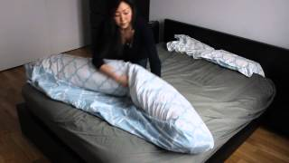 Repeat youtube video This ingenious duvet cover trick will change your life
